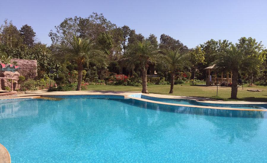 Botanix Swimming Pool