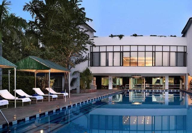 Resort Country Club Manesar